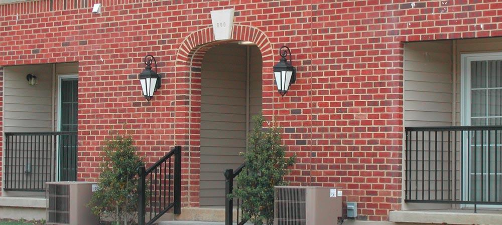 Deemers Landing apartment entrance